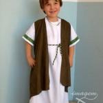 Traje-infantil-de-romano-con-tunica-marron