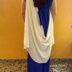 Vestido-de-romana-largo-azul-con-tunica-blanca