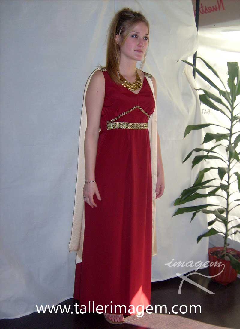 10c02afd4 Romanos : Taller de confección Imagem